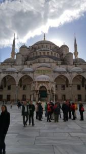 Двор голубой мечети